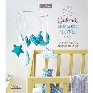 Livre cadeaux de naissance à coudre Éditions Marie Claire